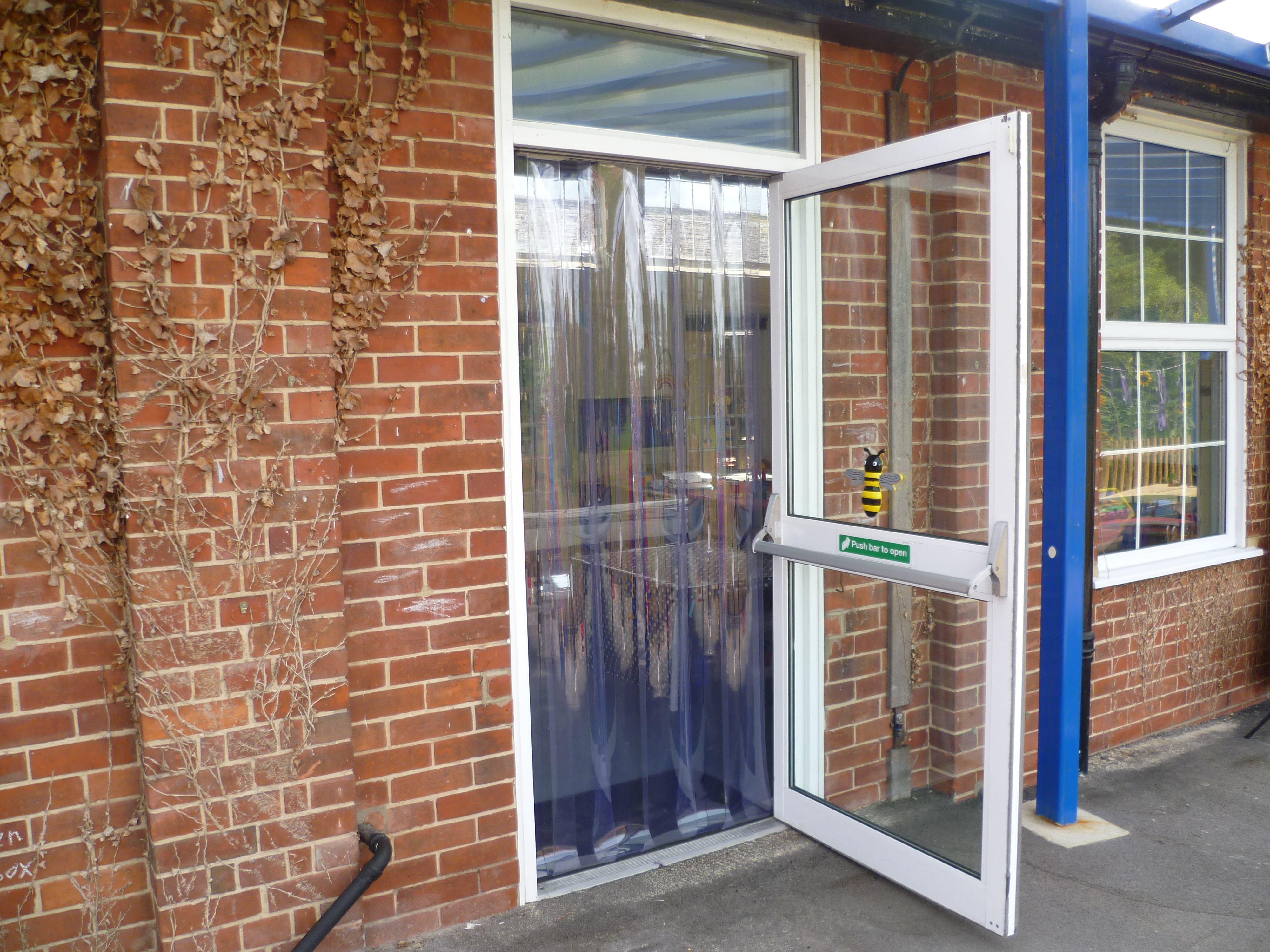 Free Flow Pvc Curtains For Schools And Nurseries